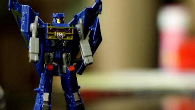 Transformer da Hasbro vs. Transformer da ASUS.