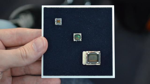 Comparativo entre o sensor de 41 MP do 808 e os de outros celulares.