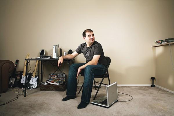 Dan Kaminsky em seu apartamento