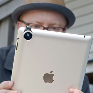 Lente clip-on da Gizmon para iPhone (e não iPad!!!)