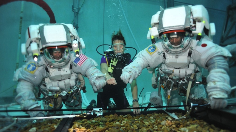 Missão embaixo d'água.