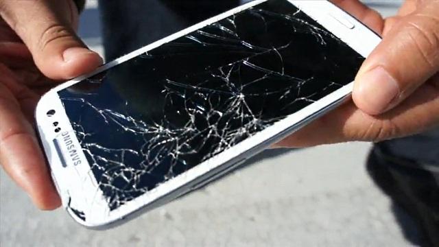 Samsung Galaxy S III após teste de queda