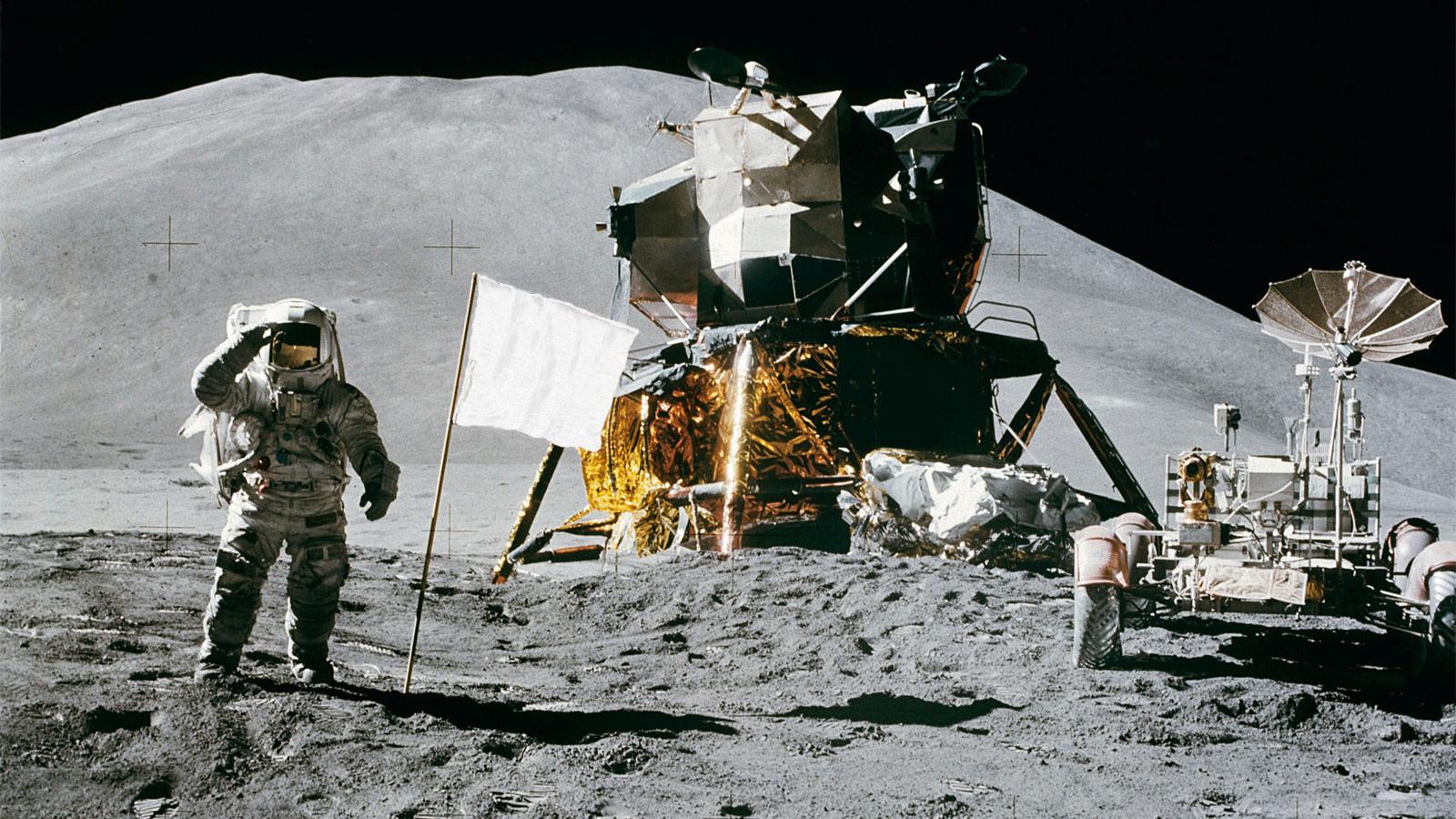 Bandeira branca na Lua.