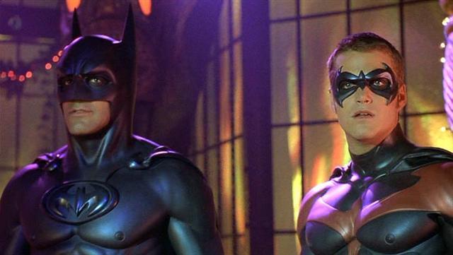 Batman pagando peitinho.