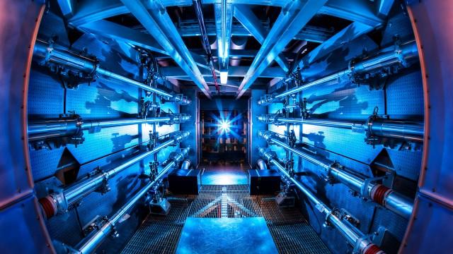 Laser de 10 andares no Lawrence Livermore National Laboratory
