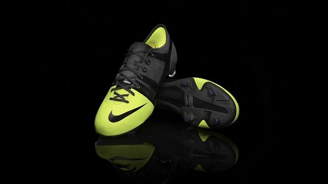 Nike GS.