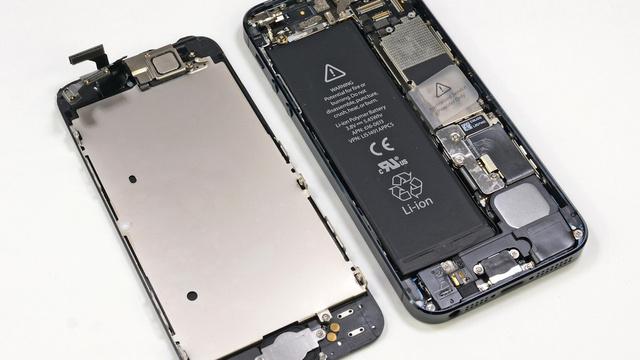 iPhone 5 aberto pelo iFixit