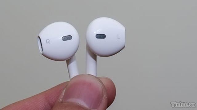 Supostos novos fones de ouvido do iPhone.