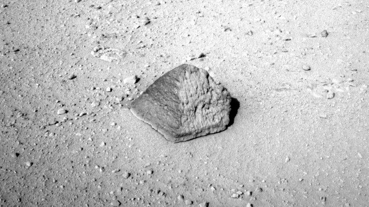 Pedra piramidal em Marte.