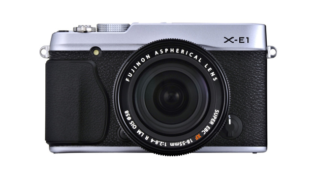 Fujifilm X-E1, na versão preto/prata