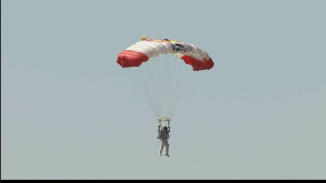 Paraquedas.