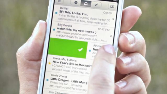Dropbox vai acabar com os apps Carousel, de fotografias, e