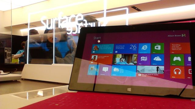 Surface RT em uma Microsoft Store.