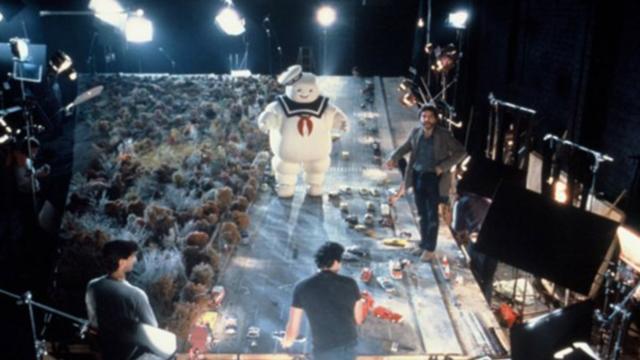 Estas fotos mostram grandes clássicos do cinema por trás das câmeras