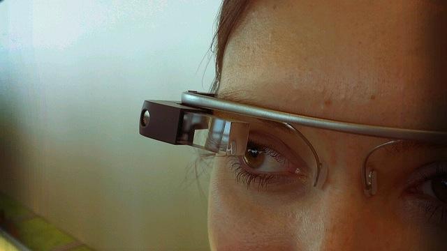 Google Glass agora ativa câmera com um piscar de olhos