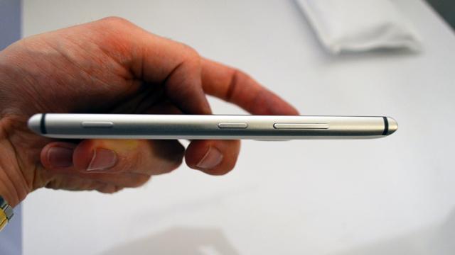Nokia-Lumia-925-3