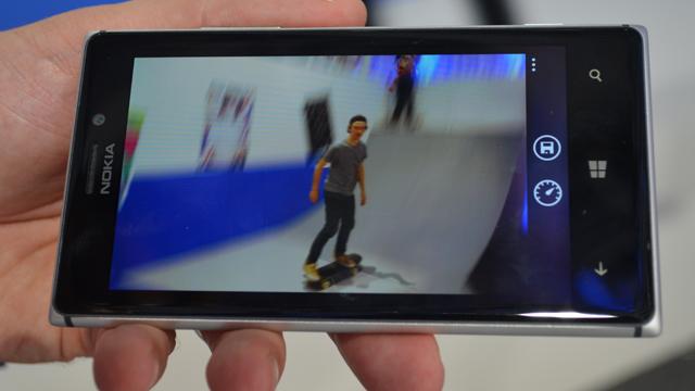 Nokia-Lumia-925-Smart-Cam1