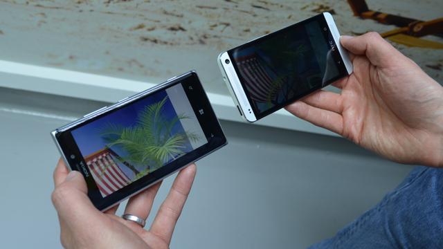 Nokia-Lumia-925-versus-HTC-One-4