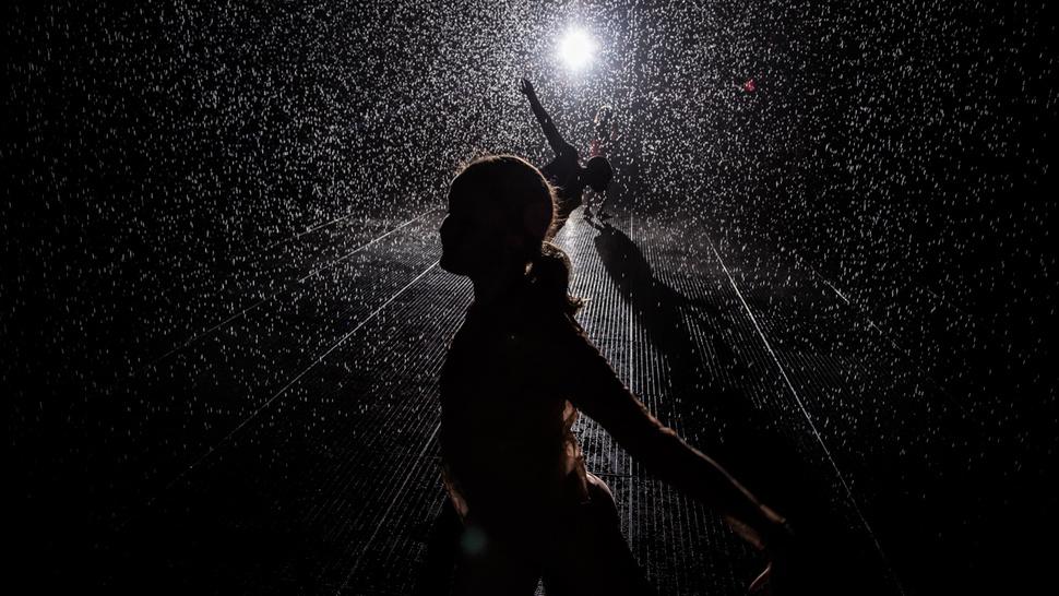 Por dentro da sala com a chuva eterna que não deixa você se molhar