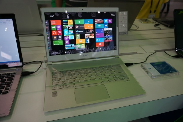 Acer Aspire S7.