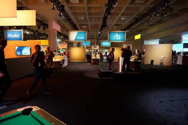 Vista da área de parceiros a partir do lounge de games.