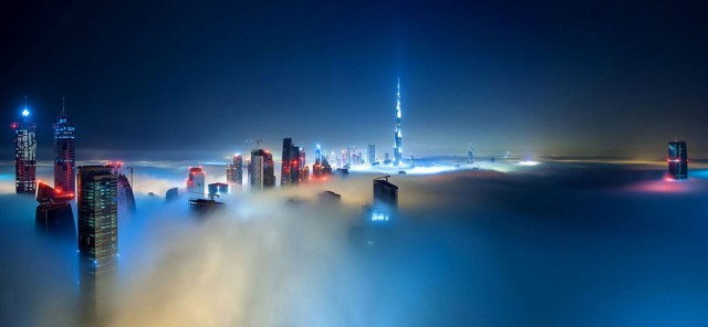 a-blaze-with-light-dubai-in-fog-sebastian-opitz-7