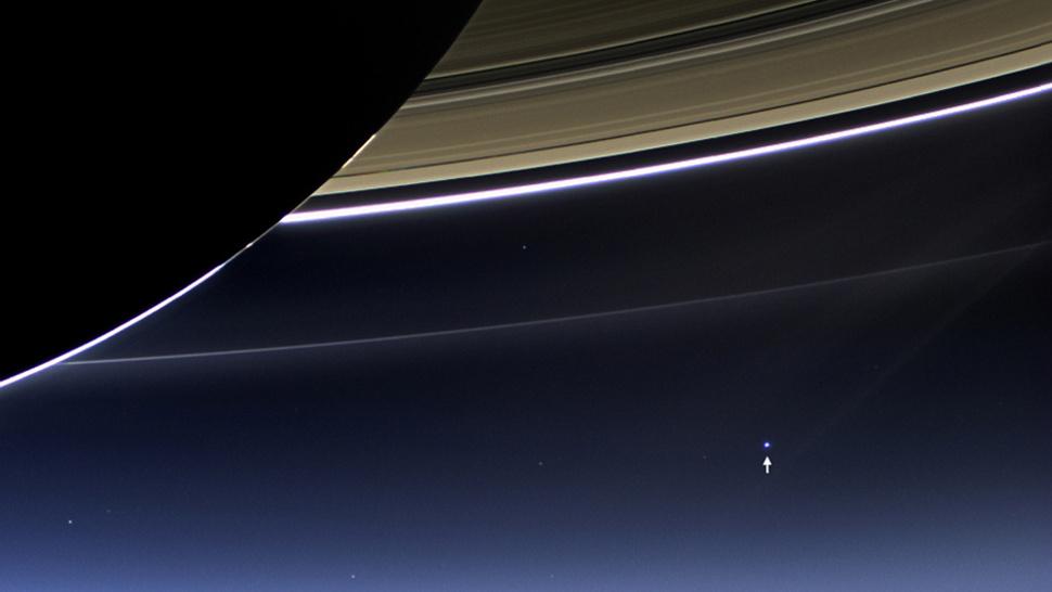 A Terra vista de Saturno.