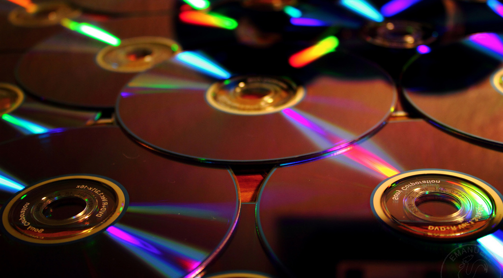 CDs e DVDs de artistas brasileiros podem ficar até 40% mais baratos