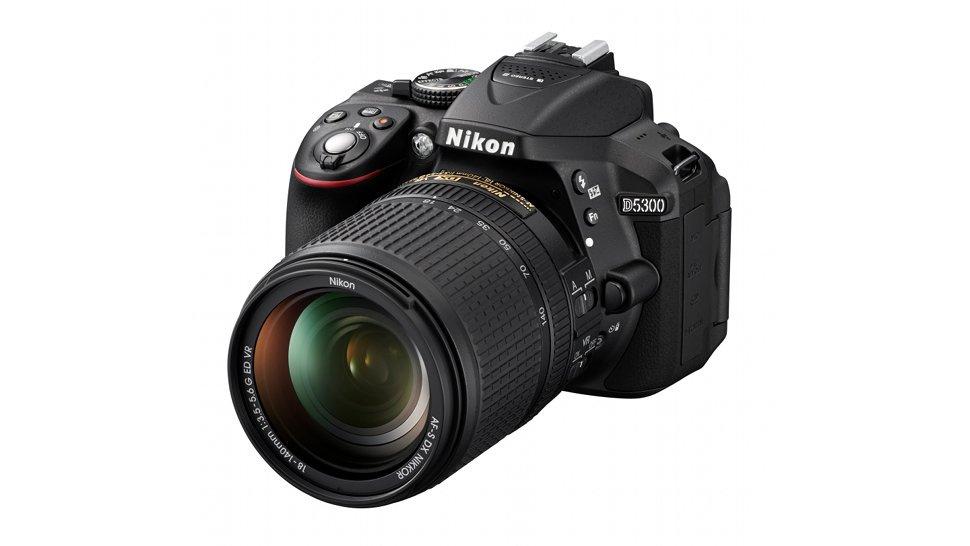 Nikon D5300: uma câmera DSLR com novo sensor de imagem, Wi-Fi e GPS