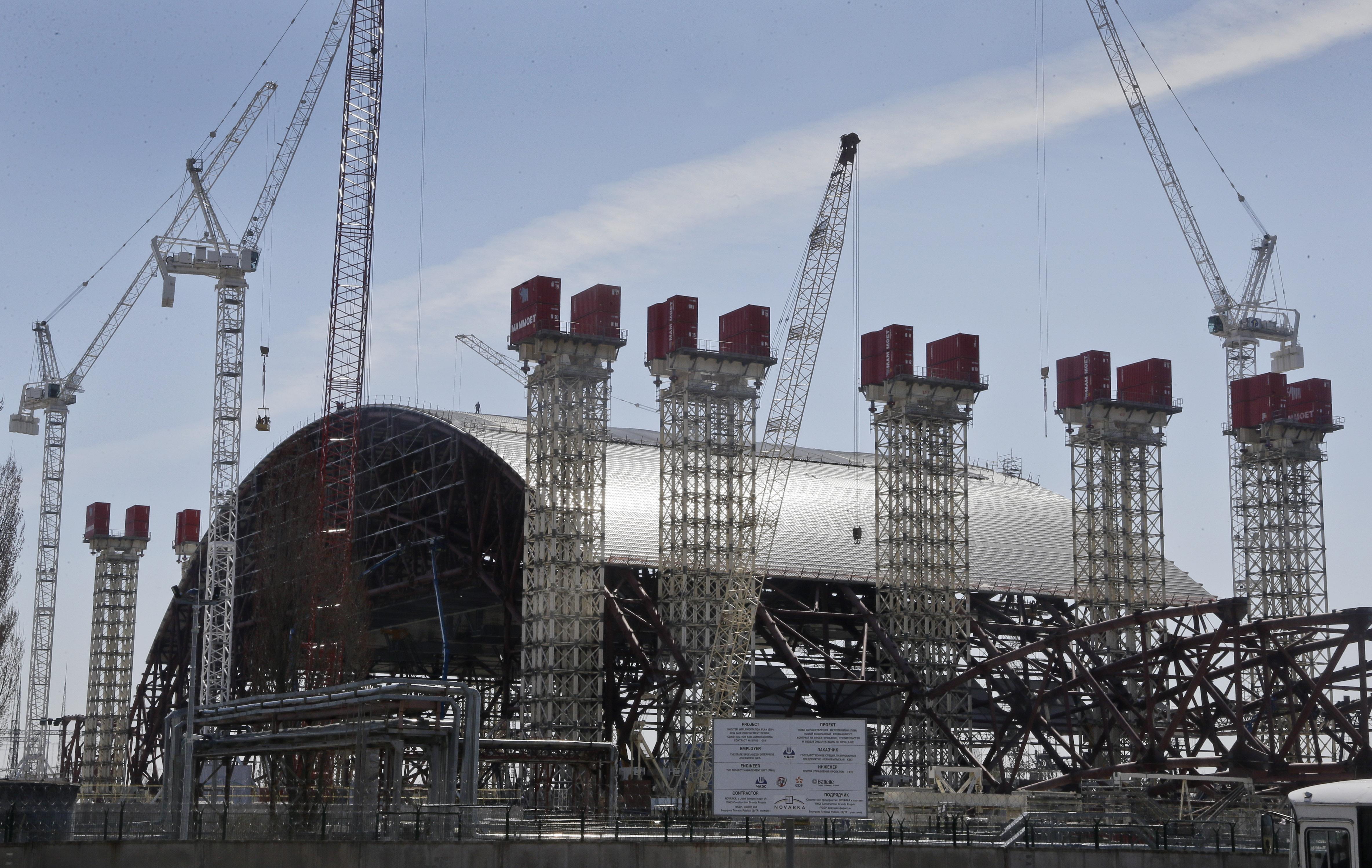 Esta enorme estrutura de aço vai sepultar o Reator 4 de Chernobyl