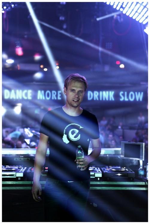 O DJ escolhido para te convencer a beber menos