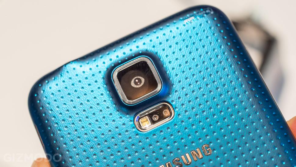 Samsung Galaxy S5 Active é resistente a choques físicos e dispensa leitor de impressão digital