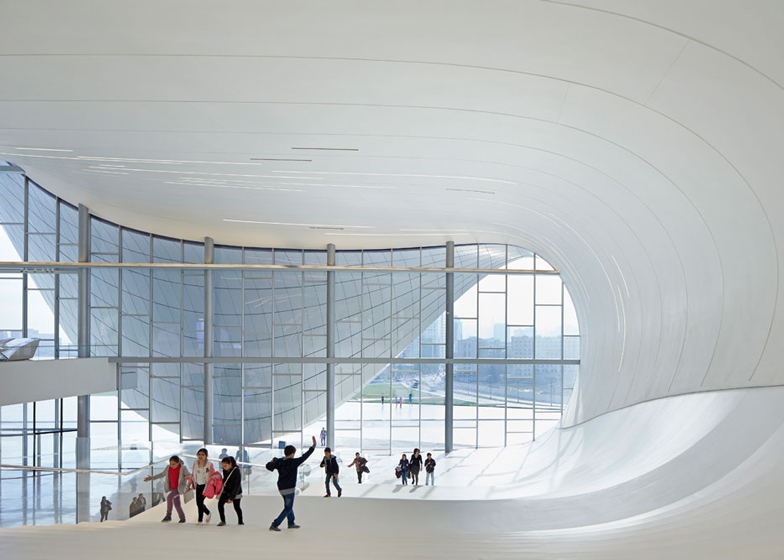 Heydar-Aliyev-Center-by-Zaha-Hadid_dezeen_ss_17