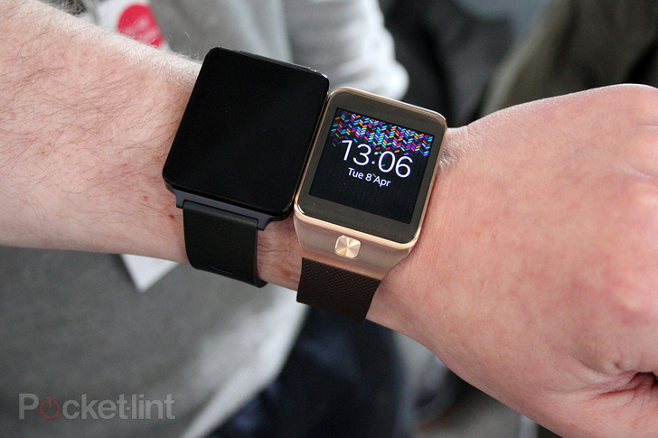 lg g watch pocket lint