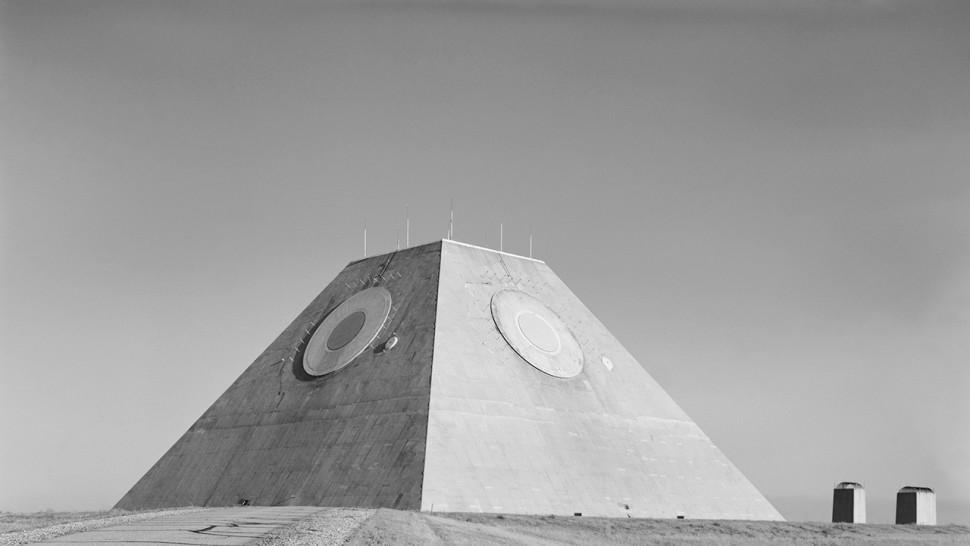 piramide fim mundo galeria (1)