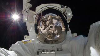 selfie-space
