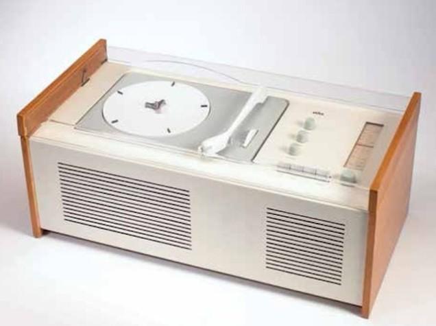 O rádio SK4 Braun de Dieter Rams, chamado de Caixão da Branca de Neve, é a perfeição modernista aos olhos de Bayley. (Imagem cortesia de Wright).