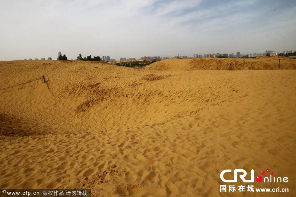 http://gizmodo.uol.com.br/wp-content/blogs.dir/8/files/2014/05/china-lake-desert-1.jpg