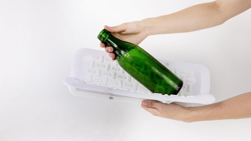 Mas há uma segunda versão para garrafas e vasos que aponta para um uso mais geral.