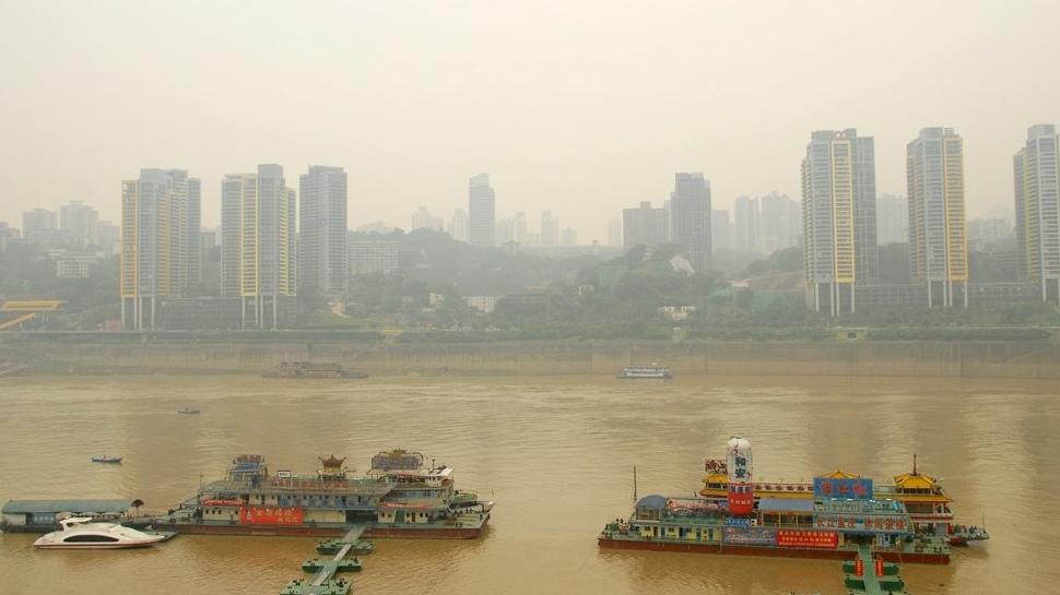 A China está literalmente movendo montanhas para construir novas cidades