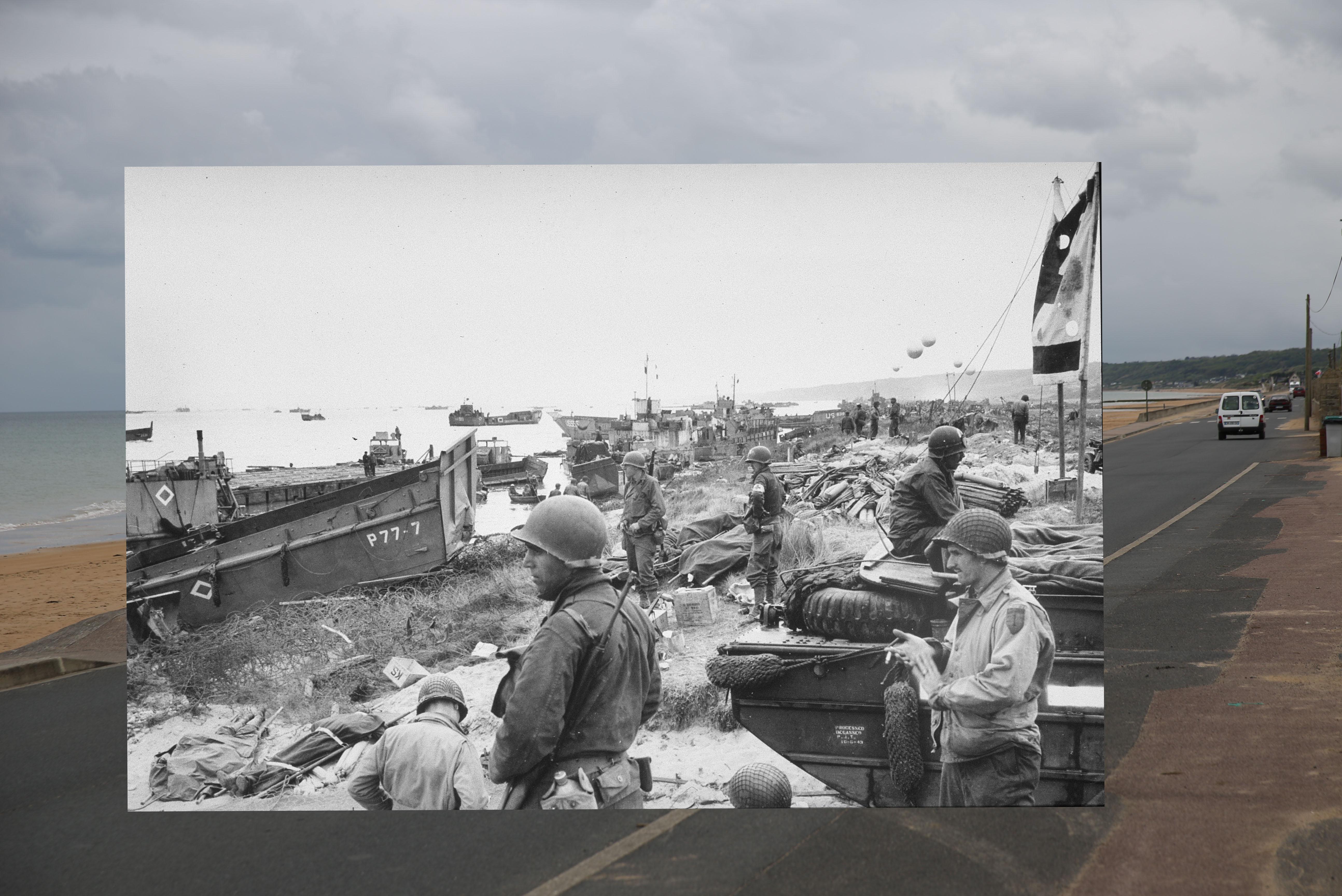Tropas americanas esperam suplementos na praia de Omaha, depois dos desembarques do Dia D.