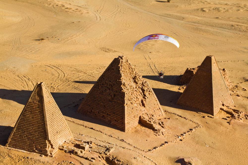 paragliding-sobre-as-pirâmides