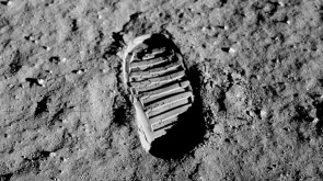 1018px-Apollo_11_bootprint