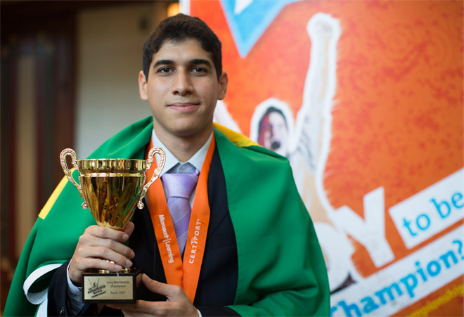 Brasileiro vence campeonato mundial de Excel 2007
