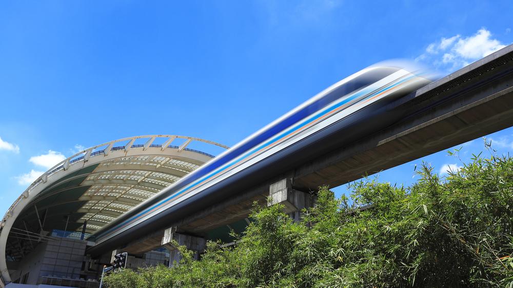 Japão testa seu novo trem de levitação magnética que voa baixo a 500 km/h