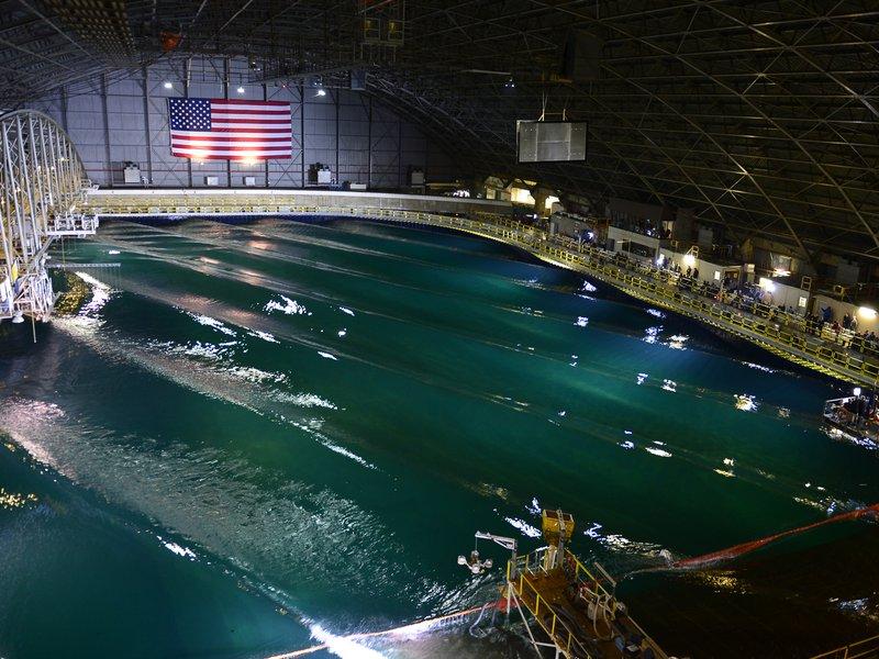 A piscina da marinha dos EUA.