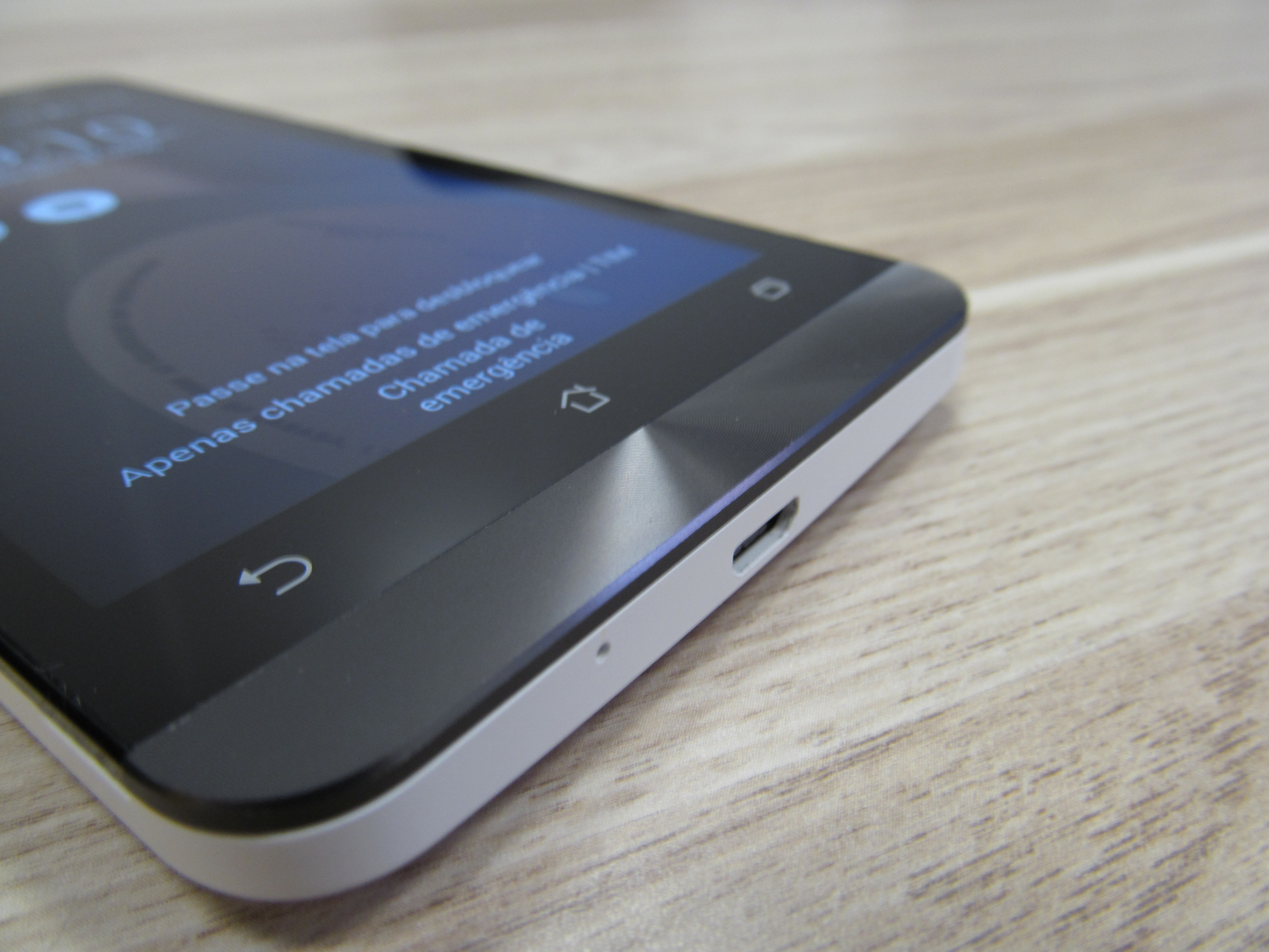 Asus Zenfone 5 tem bom acabamento