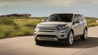 LR_Discovery_Sport_10