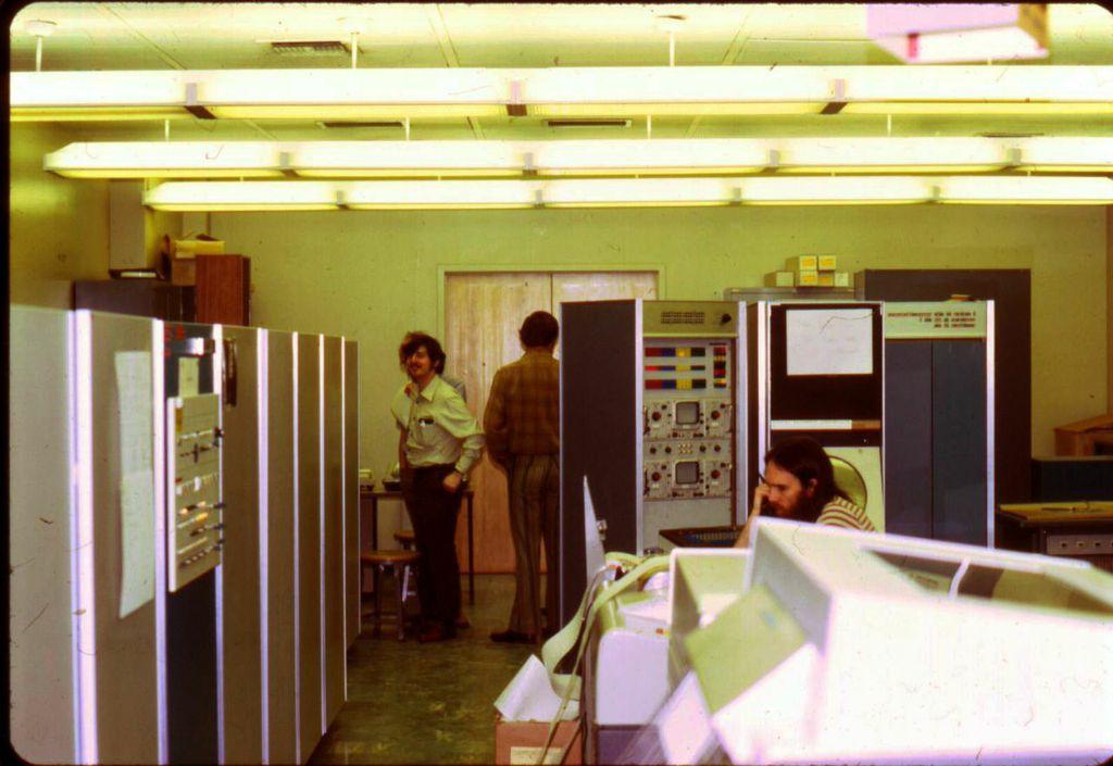 Fotografia da sala 3420 Boelter Hall, na UCLA