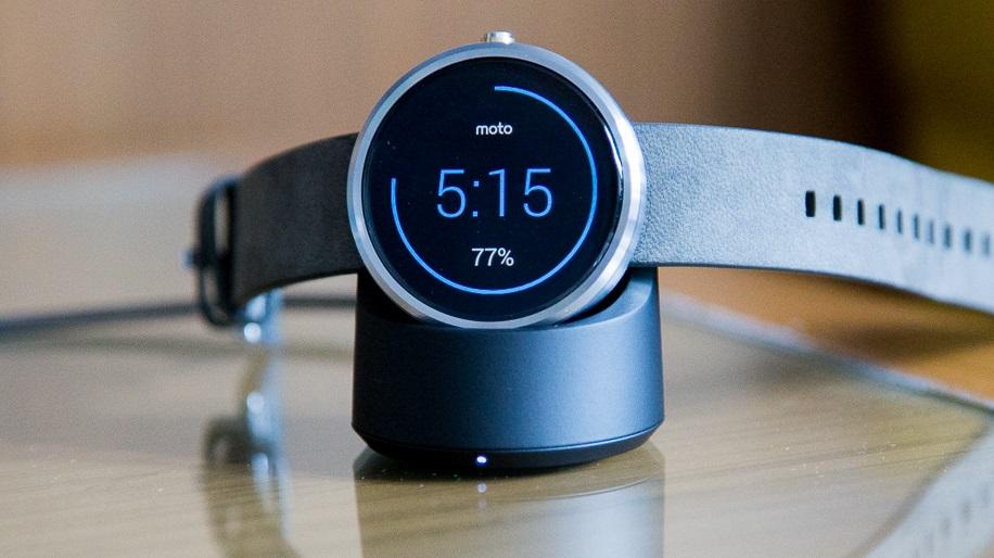 Relógios com Android Wear viram tradutores de pulso e ganham faces interativas